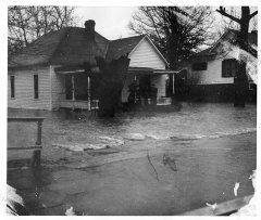 lynn-camp-creek-flood-1957-140.jpg